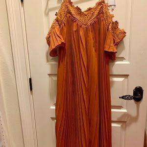 Dresses & Skirts - NEW Few Moda maxi dress